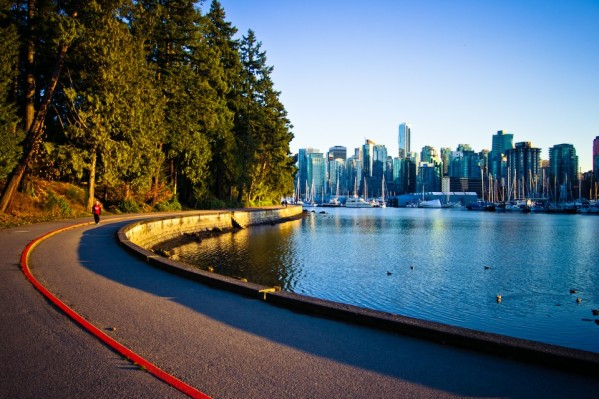 riding-the-seawall-2012-5-960x640